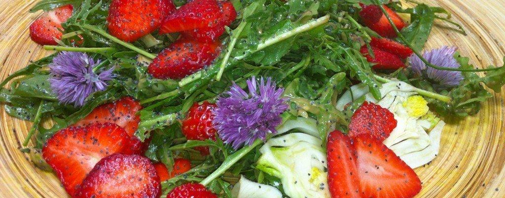 Strawberry, Agrula & Poppyseed Salad