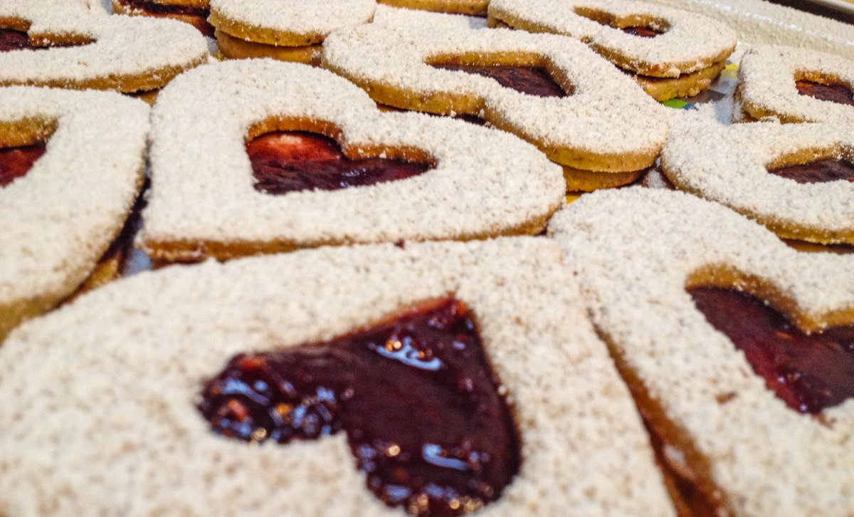 Raspberry Jam-Filled Heart Cookies Recipe