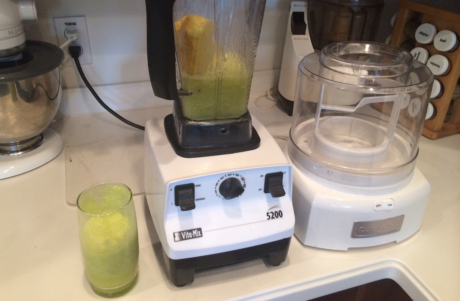 Pineapple, Celery, Lemon, & Ginger Smoothie