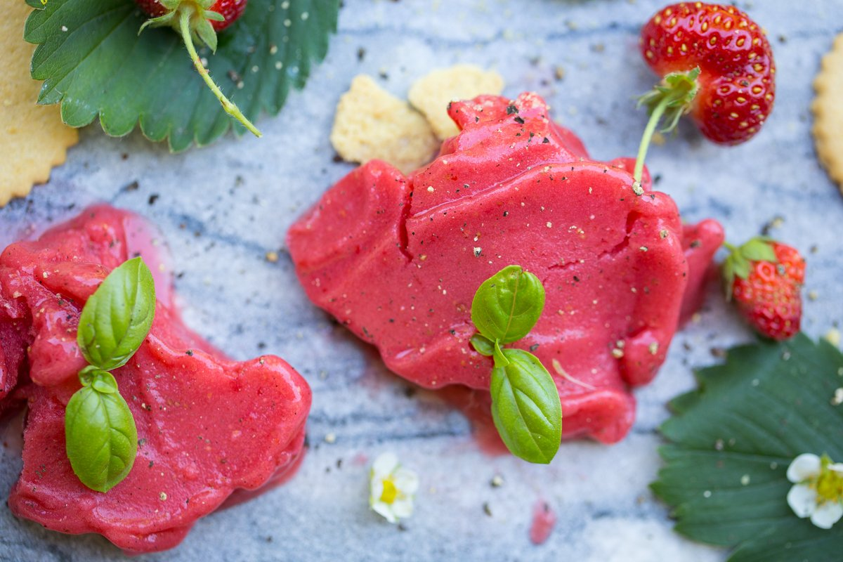 How to make Strawberry Sorbet