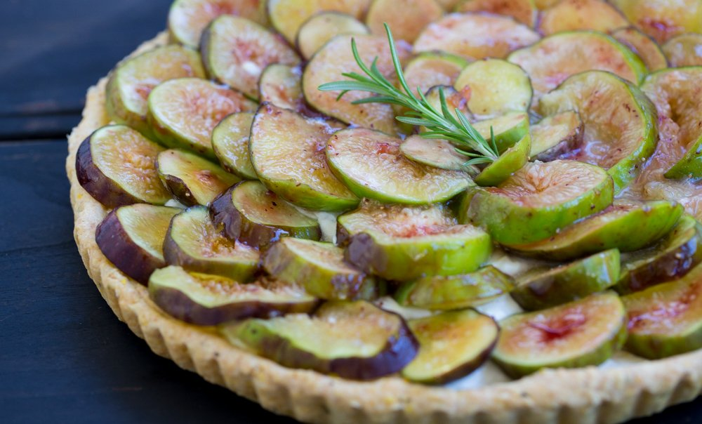 Fig Tart with polenta crust & lemon mascarpone cream Recipe