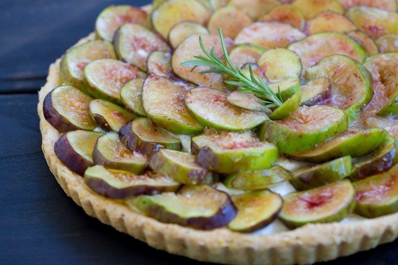 Fig Tart with polenta crust & lemon mascarpone cream recipe
