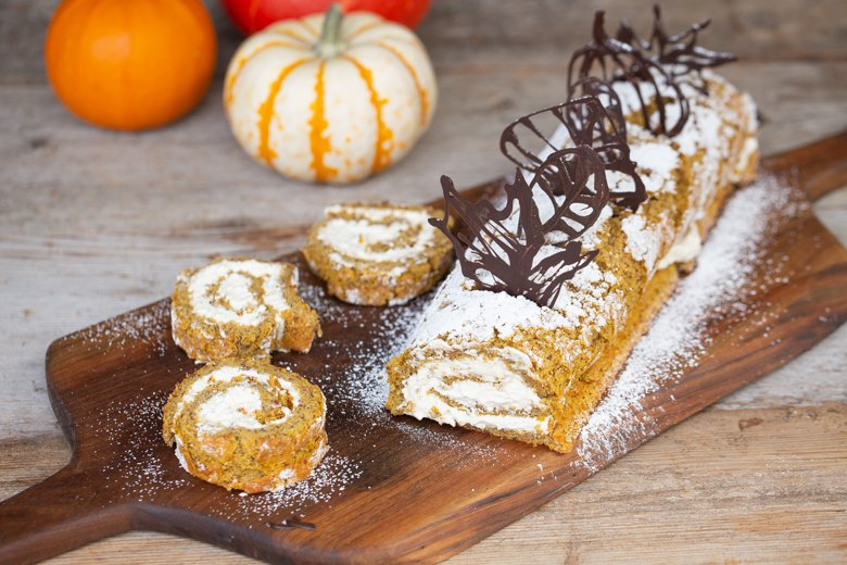 pumpkin almond roll hero