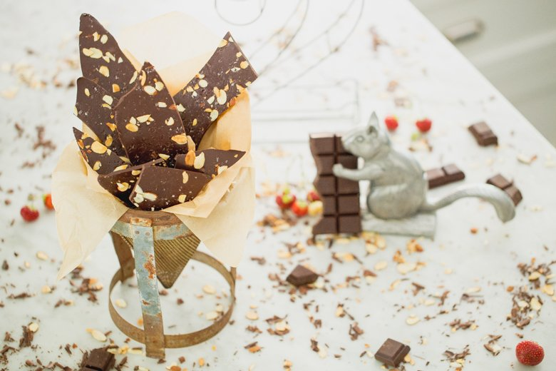 Chocolate Lovers Sip and a nibble: infused chocolate bark